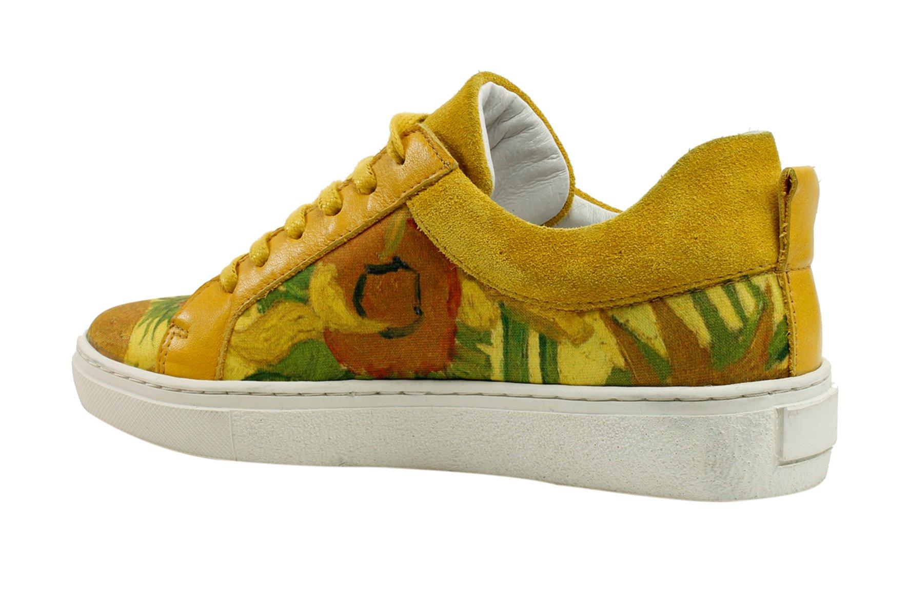 gele sneakers